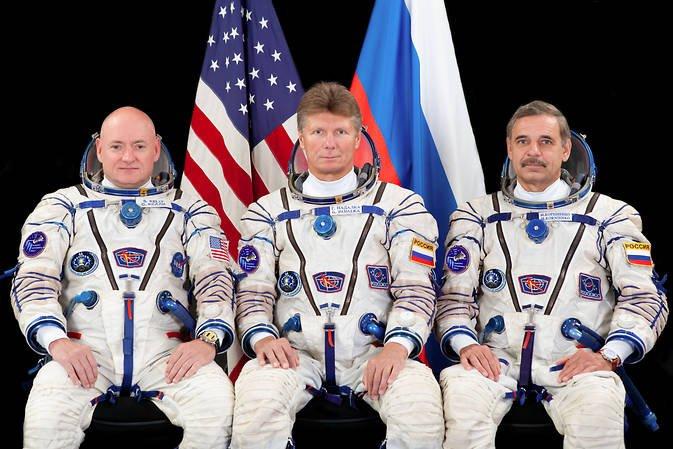 Estos 3 astronautas acaban de llegar a la Estación Espacial Internacional. Autor: NASA