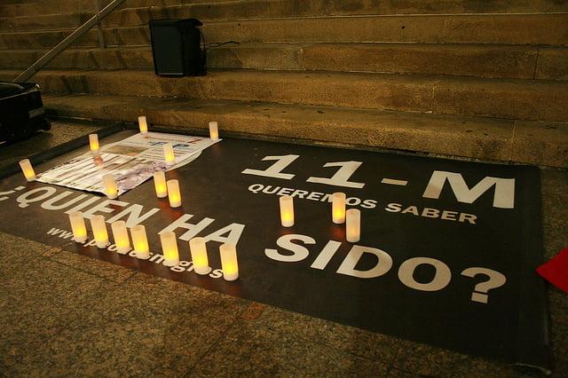 Autor: Contando  Estrelas. Homenaje a las víctimas del atentado islamita